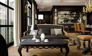 Divano nero classico elegante
