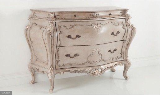 white venetian console