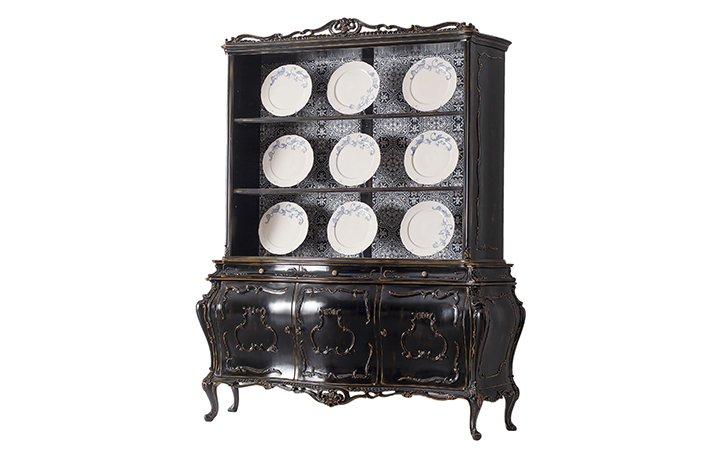 cupboard venetian style