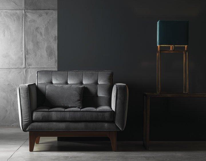 divano singolo moderno in soggiorno